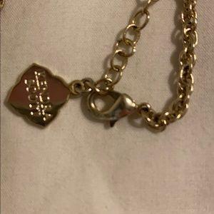Kendra Scott Jewelry - Kendra Scott necklace in great condition!
